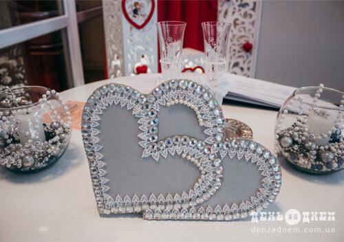 На весільний рушник у День закоханих в Шепетівці стало дві пари наречених