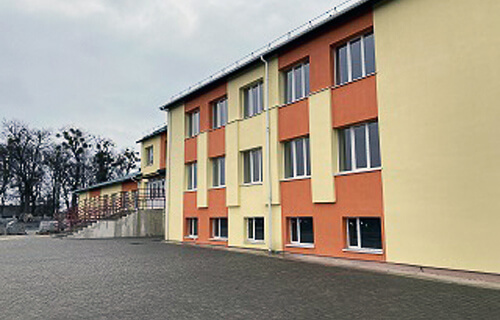 У Шепетівському районі тривають оздоблювальні роботи сільської школи, на яку громада чекає понад 30 років