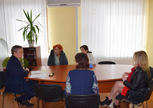 Захисники тварин прийшли в Шепетівську міську раду