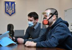 В сусідній з Хмельниччиною області інженери зробили захисні маски на 3D-принтері