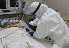 Стан першого захворілого на COVID-19 шепетівчанина— стабільно важкий