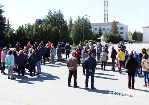 Понад 50 підприємців шепетівського ринку прийшли з вимогою до міської ради
