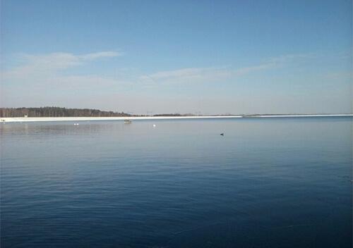 На Ізяславщині рятувальники обстежили 10 гектарів водойми у пошуках зниклого рибалки