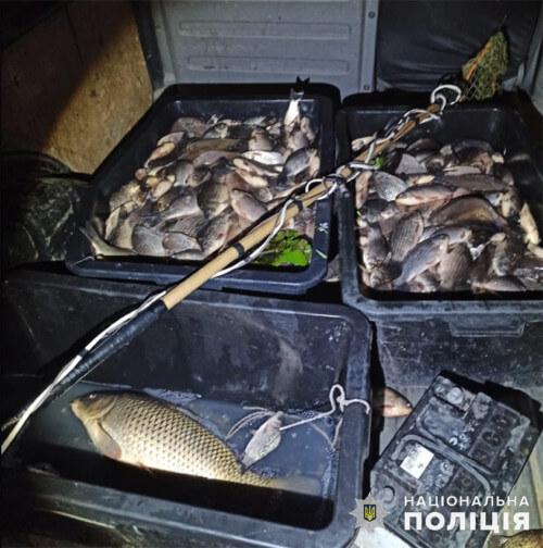 Понад центнер риби електровудкою виловив браконьєр на Хмельниччині