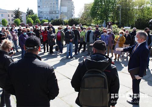 У Шепетівці продавці непродовольчих товарів 14 травня знову повертаються на ринок