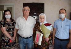 У Шепетівці уродженка Білорусі відзначає 90-річний ювілей