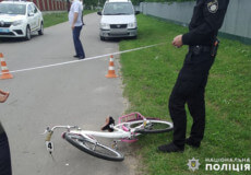 На Хмельниччині 7-річна дівчинка потрапила під колеса автівки
