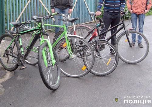 Зловмисник їздив вулицями Старокостянтинова на вкраденому велосипеді
