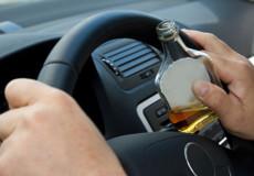 На Шепетівщині п'яний водій не впорався з керуванням та злетів у кювет
