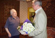 Ще один довгожитель Шепетівки зустрів 90-річний ювілей