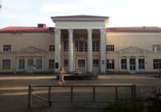 В Ізяславі Будинок культури недоремонтували на 250 тисяч гривень
