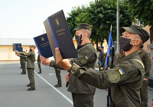 Новобранці військової частини НГУ, що у Хмельницькому, склали присягу