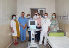 «Епіцентр Агро» подарував Шепетівській ЦРЛ апарат ШВЛ