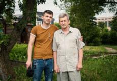 У руках батька і сина оживають казкові герої