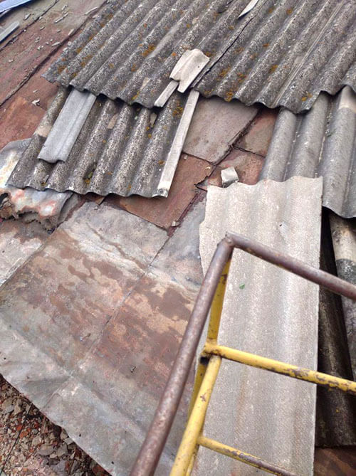 У Шепетівці буревій пошкодив дах загальноосвітньої школи