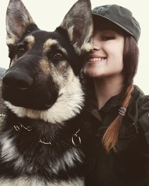 Хмельничанка стала першою дівчиною-кінологом в історії військової частини 3053
