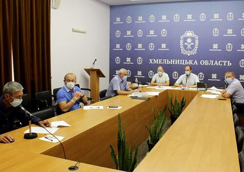 Нові карантинні обмеження: у Шепетівці заборонили проведення масових заходів, а у Летичівському районі— дитсадки та спортзали
