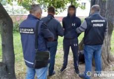 В обласному центрі затримали злодіїв, які обкрадали квартири: серед них — жінка