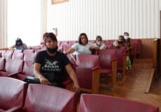 Шепетівські матері-одиначки обурилися через зміни у призначенні державної допомоги