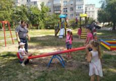 У Славуті встановили дитячий майданчик за кошти громадського бюджету