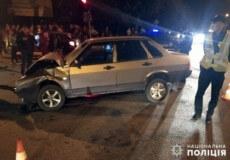 У центрі Шепетівки не розминулися два легковики: одного з водіїв ушпиталили