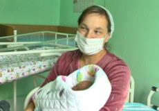 Багатодітна мати зі Славути народила 16 дитину