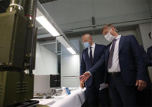 На Хмельниччині підприємство розробляє апарати ШВЛ за швейцарською технологією
