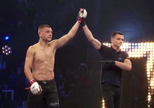 Шепетівчанин Дмитро Гриценко здобув перемогу в професійному бою з фрі-файту