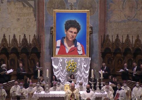 Католицька церква проголосила святим підлітка, що відзначився любов'ю до Євхаристії