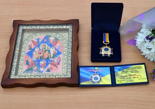 Мешканка Полонщини отримала медаль «Герой-рятівник» за порятунок 2 дітей під час пожежі