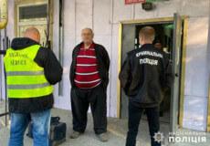 Молдовця з багатим кримінальним минулим на виході з Шепетівської колонії чекали правоохоронці