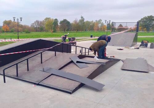 В одному з міст новоствореного Шепетівського району встановлюють скейт-майданчик