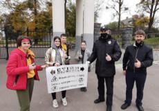 «Візьми дитину за руку!»: у Славуті з'явилися написи, які застерігають дотримуватися ПДР
