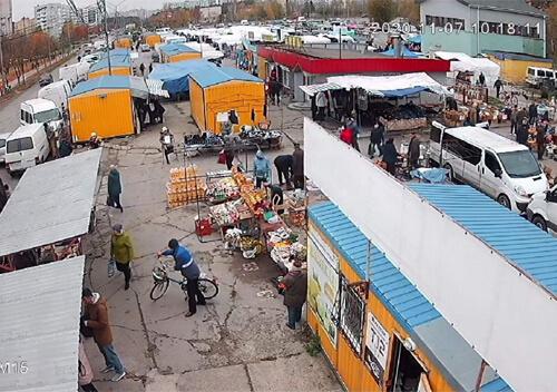 У Нетішині через «карантин вихідного дня» впровадили додаткові ринкові дні