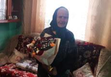 На Шепетівщині привітали з 90-річчям бабусю, що пережила голодомор та війну