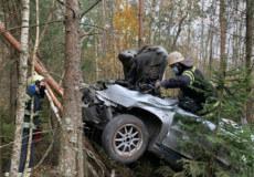На Шепетівщині у кювет злетіло авто: один пасажир загинув