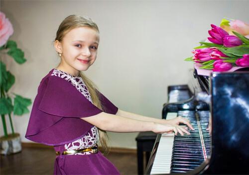2 юні славутчанки здобули творчі перемоги в Чехії