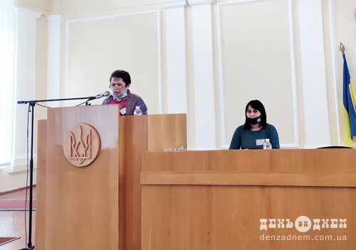 На першій сесії Шепетівської райради депутати, не прийнявши присяги, оголосили перерву до грудня