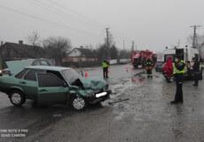 У Шепетівському районі внаслідок ДТП постраждала 20-річна пасажирка