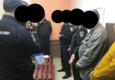 Працівник Хмельницького слідчого ізолятора намагався збути наркотики ув'язненому