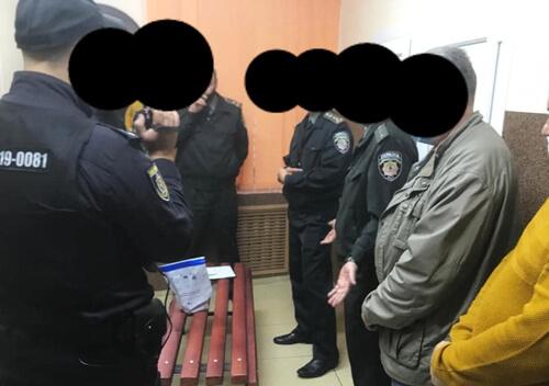 Суд виніс вирок інспектору, який збував наркотики в слідчому ізоляторі