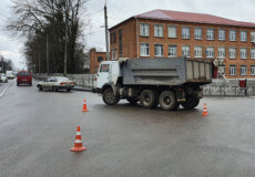 На водія, який забруднив дорожнє покриття, полісмени склали протокол