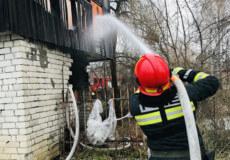 Пожежа сараю в Шепетівці вкрила смогом майже пів міста