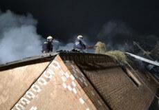 У Полонному внаслідок пожежі згорів дах житлового будинку