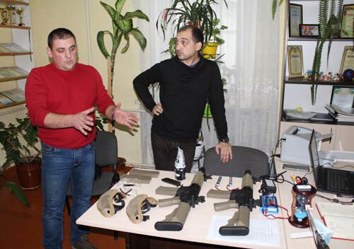 У Славуті придбали зброю для страйкбольної гри