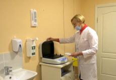У Хмельницькому за бюджетні гроші застрахують близько тисячі медиків, які можуть підхопити COVID-19