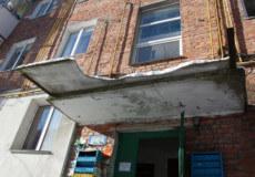 У Шепетівці поліція встановлює відповідальних за благоустрій будинку, де загинула 32-річна жінка