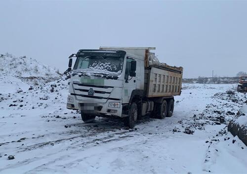 На Хмельниччині з родовища протиправно вивезли тисячі тонн корисних копалин