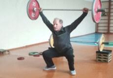 Шепетівчанин, що здобув золото з важкої атлетики на чемпіонаті УРСР, святкує 75