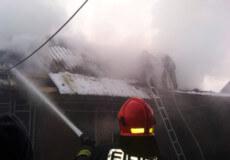 На Шепетівщині згоріла господарча будівля